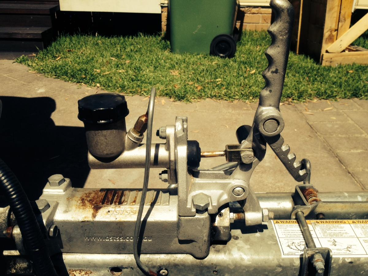 Hydraulic Trailer Brakes Not Releasing Need Help Boating Fishraider